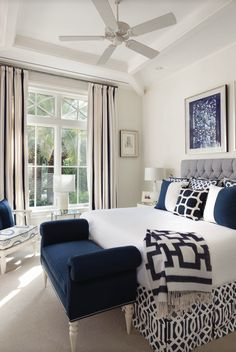 17 Hermoso color azul Diseño de dormitorio neutral blue bedroom, dark b . - 17 Hermoso diseño de dormitorio de color azul neutral blue bedroom, dark b … 17 Herm - Master Bedroom Interior, Home Decor Bedroom, Modern Bedroom, Bedroom Ideas, Bedroom Designs, Trendy Bedroom, Navy Master Bedroom, Bedroom Furniture, Navy Home Decor