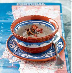 Velouté de champignon au lard.  Velouté van champignons met spek. 400 g de champignons de Paris + 1 oignon + 1 blanc de poireau + 100 g de lard fume' + Sel + Poivre 400 g witte champignons + 1 ui + 1 preiwit + 100 g gerookt spek + Zout + Peper