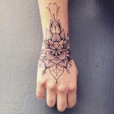 Elegant wrist tattoo | #SupaKitch #linework