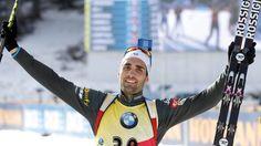 Martin Fourcade jubelt beim Biathlon-Weltcup in Pokljuka Boys, Biathlon, Baby Boys, Senior Boys, Sons, Guys, Baby Boy