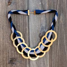 Moderno collar con aros y trapillo_1