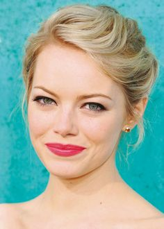 emma stone- bridesmaid makeup