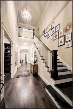 Modern Staircase Design Ideas - Surf images of modern stairs as well as uncover design as well as format ideas to inspire your own modern staircase remodel, consisting of one-of-a-kind railings and also storage . Home Renovation, Home Remodeling, Casa Disney, Modern Stairs, Foyer Decorating, Budget Decorating, Staircase Design, Staircase Ideas, Handrail Ideas