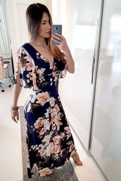Beautiful Blouses, Beautiful Outfits, Pakistani Frocks, Casual Dresses, Fashion Dresses, Modest Wear, Floral Print Maxi Dress, Pinterest Fashion, Mode Inspiration