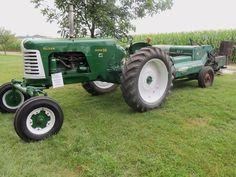 Super 880 with 62-T hay baler