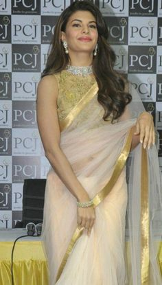 Jacqueline Fernandez Picture Gallery image # 295735 at Jacqueline Unveils PC Jeweller Showroom containing well categorized pictures,photos,pics and images. Saree Jacket Designs, Saree Blouse Patterns, Jacqueline Fernandez, Net Fashion, Indian Fashion, Saree Fashion, Bollywood Fashion, Bollywood Saree, Indian Bollywood