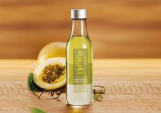 Para hacer su baño más agradable, el aceite trifásico posee 100% aceites vegetales, otorgádote una textura liviana y fragancia refrescante.