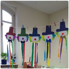 Circus Theme Crafts, Clown Crafts, Fish Crafts, Diy And Crafts, School Board Decoration, School Decorations, Preschool Circus, Diy For Kids, Crafts For Kids