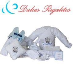 Canastilla recién nacido pensada, incluye body personalizado con el nombre.El mejor regalo para el recién nacido.