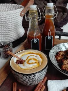 PASTU domov: Dýňový  sirup a dýňové latté Hot Sauce Bottles, Tea Time, Latte, Smoothie, Drinks, Health, Syrup, Drinking, Beverages