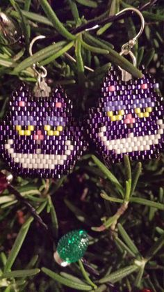 Cheshire Cat Hand Beaded Earrings Fantasy Cat Smiling Cat by FaeryWolfsFancies on Etsy https://www.etsy.com/listing/256589461/cheshire-cat-hand-beaded-earrings