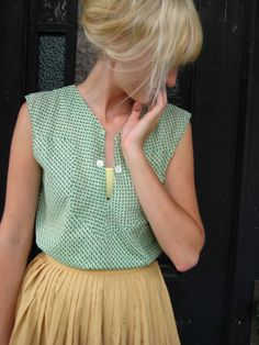 love this vintage blouse