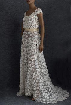 Irish crochet lace wedding dress, c.1912 #2739 Irish crochet wedding dress