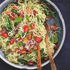 How to Turn a Box of Spaghetti (or Two) Into Five Workday Lunches
