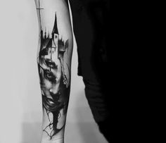 Ritratti avvolti nel mistero nei tatuaggi di Kurt Staudinger