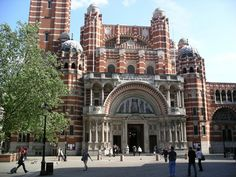 Westminster Cathedral - often missed by visitors, this striking neo-Byzantine style cathedral was completed in 1903 and is home to the Catholic Church in England and Wales. The campanile (bell tower) is open to the public and offers tremendous views over Westminster. SW1, Victoria Tube.