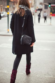 68 Christmas Outfit Ideas To Get Inspired From - Gucci Disco - Trending Gucci Disco for sales. - 53 Outfits to Stay Warm During a Winter Pregnancy Gucci Disco Bag, Gucci Soho Bag, Soho Disco Bag, Gucci Soho Disco, Best Designer Bags, Cheap Designer, Discount Designer, Designer Handbags, Winter Stil