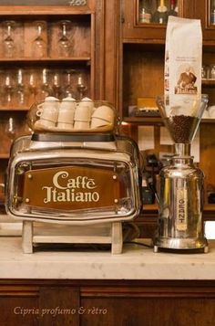 Great ways to make authentic Italian coffee and understand the Italian culture of espresso cappuccino and more! I Love Coffee, Coffee Art, Coffee Break, My Coffee, Coffee Drinks, Coffee Shop, Coffee Cups, Coffee Lovers, Morning Coffee