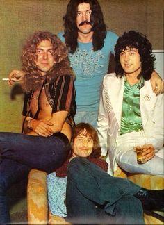 Robert Plant, Jimmy Page, John Bonham & John Paul Jones - Led Zeppelin Robert Plant Led Zeppelin, Jimmy Page, Jimmy Jimmy, Great Bands, Cool Bands, Hard Rock, Beatles, Peter Paul And Mary, John Paul Jones