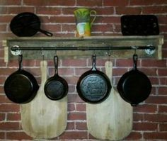 DIY SMART SAW: As a really common recycled material, wooden palle... Rustic Kitchen, Diy Kitchen, Kitchen Storage, Kitchen Design, Kitchen Decor, Recycled Pallets, Wooden Pallets, Pallet Wood, Shelf Makeover