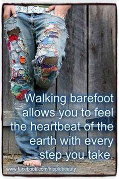 hippie life 439804719859932201 - American Hippie ☮ Walking Barefoot Source by Happy Hippie, Hippie Love, Hippie Chick, Hippie Gypsy, Hippie Style, Gypsy Soul, Hippie Vibes, Hippie Peace, Bohemian Soul