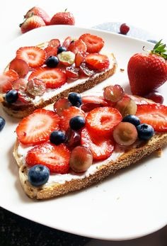 Simple, wholesome, and delicious, this fruit toast is ready to eat in under five minutes– perfect for a quick breakfast or snack! (scheduled via http://www.tailwindapp.com?utm_source=pinterest&utm_medium=twpin&utm_content=post93872659&utm_campaign=scheduler_attribution)