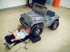 Most adorable baby boy fixes his toy jeep. Like father like son. Funny Babies, Cute Babies, Baby Kids, Baby Baby, Funny Baby Pictures, Newborn Pictures, Boy Pictures, Baby Mechanic, Auto Mechanic