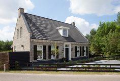 Houdt u van een tikkeltje romantiek, dan is villa Vrijman zeker ietsvoor u. De architectuur grijpt terug op de… Houdt u van een tikkeltje romantiek,...