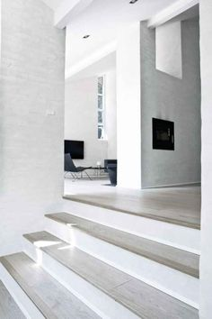 Here's a really cool Scandinavian modern minimalist home all in white by NORM Architects. Beautiful Interior Design, Modern Interior Design, Danish Interior, Studio Interior, Minimalist Interior, Minimalist Style, Floor Design, House Design, Design Hotel