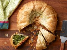 Get Bundt Pan Spanakopita Recipe from Food Network - gotta try this with the new PC Fluted Cake Pan coming out Sept Food Network Recipes, Cooking Recipes, Pan Cooking, Greek Cooking, Healthy Cooking, Healthy Meals, Spanakopita Recipe, Phyllo Dough, Spinach And Cheese