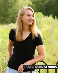 Carmel, IN Senior Portraits | Kelly | Senior Pictures in Indianapolis | Carmel | Westfield | Zionsville
