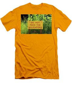 Sign Men's T-Shirt (Athletic Fit) featuring the photograph Read The Sign by Cynthia Guinn