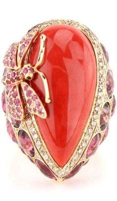 Trendy Diamond Rings : Wendy Yue ring