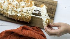 Garlic bread gets a flavor upgrade in this four-ingredient recipe. Brush a cut-in-half loaf of Italian bread with a quick mixture of McCormick® Garlic Tuscan Seasoning and butter. Top with mozzarella cheese and bake until melty. Soup Recipes, Cooking Recipes, Cooking Ideas, Veggie Recipes, Seafood Recipes, Cheesy Cornbread, Pumpkin Spice Bread, Spice Set, Italian Bread