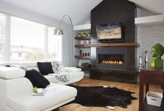 Ideas Living Room With Tv And Fireplace Rugs Rugs In Living Room, Living Room Furniture, Living Room Decor, Cozy Living, Small Living, Modern Living, Home Fireplace, Fireplace Design, Modern Fireplace Mantles
