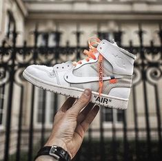 """822e54f6d4d  everysize on Instagram  """"O F F W H I T E • How you feel about the Air  Jordan 1 x Off-White  Tell us with an emoji 🤔 • 📸  artknowfr   offwhitexnike ..."""