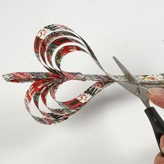 DIY Marmor-Untersetzer selbermachen - Rebel Without Applause Diy With Kids, Quilling Christmas, Paper Beads, Art Lessons, Crafts, Inspiration, Places, Book Folding, Marble Coasters
