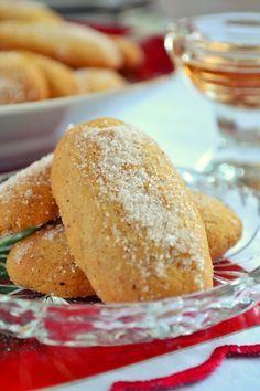 Φοινίκια Ικαρίας Greek Sweets, Greek Cooking, Greek Recipes, Cornbread, Biscuits, Cookies, Baking, Cake, Ethnic Recipes
