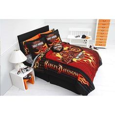 Harley Davidson Motorcycle Flame Twin Bed Comforter This cool Harley Davidson comforter has a great look! It features a Harley . Twin Bed Comforter, Teen Bedding, Bedding Sets, Sheets Bedding, Duvet, Harley Davidson Tattoos, Harley Davidson Bikes, Harley Davidson Bedding, Davidson Homes