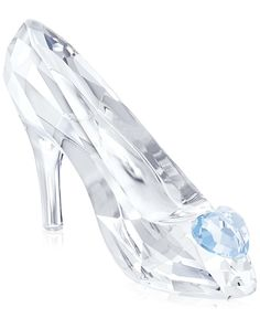 Get swept up in the magic of Disney's Cinderella. The romantic symbol of true love, Cinderella's crystal slipper features a heart in blue crystal. It matches perfectly with Cinderella, Limited Edition