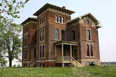 Duncan Manor: An Italianate Manor in Central Illinois