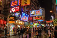 Theme parks like Disneyland and Ocean Park may probably be the biggest crowd-drawers in Hong Kong, but this futuristic city has a few freebies in store Hong Kong Night, Hong Kong Art, Free Things To Do, Color Pallets, City Lights, Night Time, Times Square, Street, Travel