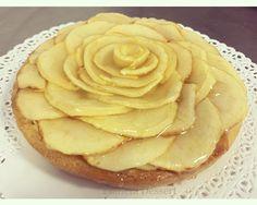 Crostata integrale con mele cotte e crema. Non la solita crostata di mele, un dolce semplice ma diverso dalle ricette tradizionali