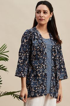 Sehra Rosana comes as a unique set. The inner top exhibits a flurry of buti motifs, while the Kimono itself displays a fluent block-printed pattern in bold shades of black, indigo and beige. Anarkali, Saree, Indian Fashion, Womens Fashion, Cotton Kimono, Shades Of Black, Indian Wear, Printed Cotton, Kurti