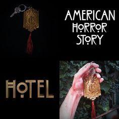 "Acabei de fazer meu check-in no Hotel. Minha nova criação, chaveiro do ""Hotel Cortez"" da serie ""American Horror Story: Hotel"". @LadyGaga  I just did my check in at the hotel. My new creation, Keychain ""Hotel Cortez"" the series ""American Horror Story: Hotel"". #AHS #AHSHOTEL #GAGA #LADYGAGA #AHS5 #LG5 #HOTELCORTEZ #DIY #FAMADE #ESCULTURA #CHAVEIRO #BISCUIT #sculpture #slay #yas"