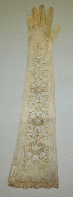 Gloves, Kayser-Roth Glove Co., Inc: ca. 1900, American, silk.