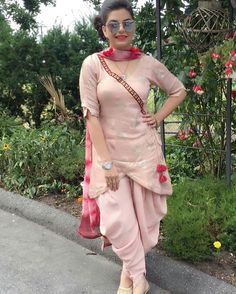 Pin by harneek on designer Suits in 2019 Patiala Suit Designs, Salwar Designs, Kurti Designs Party Wear, Punjabi Suit Neck Designs, Designer Kurtis, Indian Designer Suits, Stylish Dress Designs, Designs For Dresses, Stylish Dresses