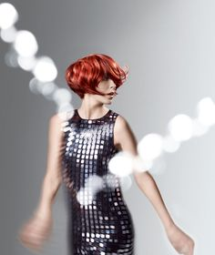 präsentiert von www.my-hair-and-me.de #women #hair #haare #dress #kleid #pailetten #red #rot #locken #lockig #curly #curls