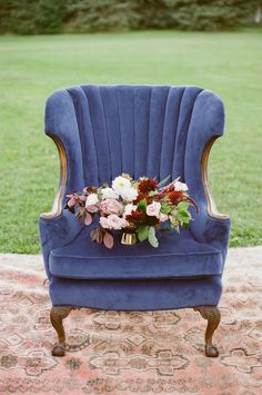 6 Best Clever Tips: Wedding Flowers Daisies Bridal Shower romantic wedding flowers spring Wedding Flowers Vow Renewals tropical wedding flowers leaves. Inexpensive Wedding Flowers, Romantic Wedding Flowers, Purple Wedding Flowers, Blue Wedding, Wedding Vintage, Burgundy Wedding, Trendy Wedding, White Flowers, Rustic Wedding Centerpieces