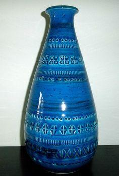Bitossi Rimini Blue aldo londi Round Vase italian pottery Blu